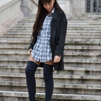 OVERSIZED-SHIRT_streetstyle_over-the-knee-boots_street-style-01-1