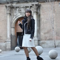 Midi-sweater-dress_la-nicoletta_biker-jacket_street-style_06-1