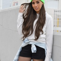 Fluor-beanie_neon_humble_sneakers_street-style_1-1