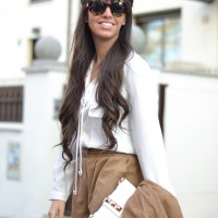 Suede-trend_wildfox-sunglasses_white-sneakers_street-style_01-1