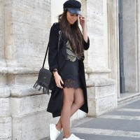 Military-cap-and-lace-Rome_street-style_fringes_outfit_01-1