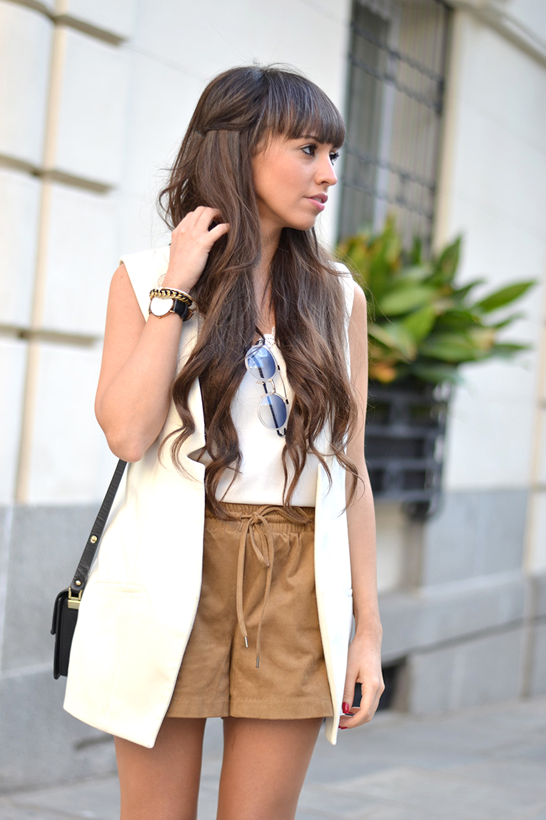 Street style, lace up shoes, heels, suede trend, suede shorts, lace top, massada sunglasses, blanche & mutton, DIY lace up shoes