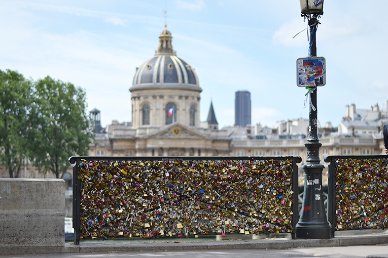 paris, love locker