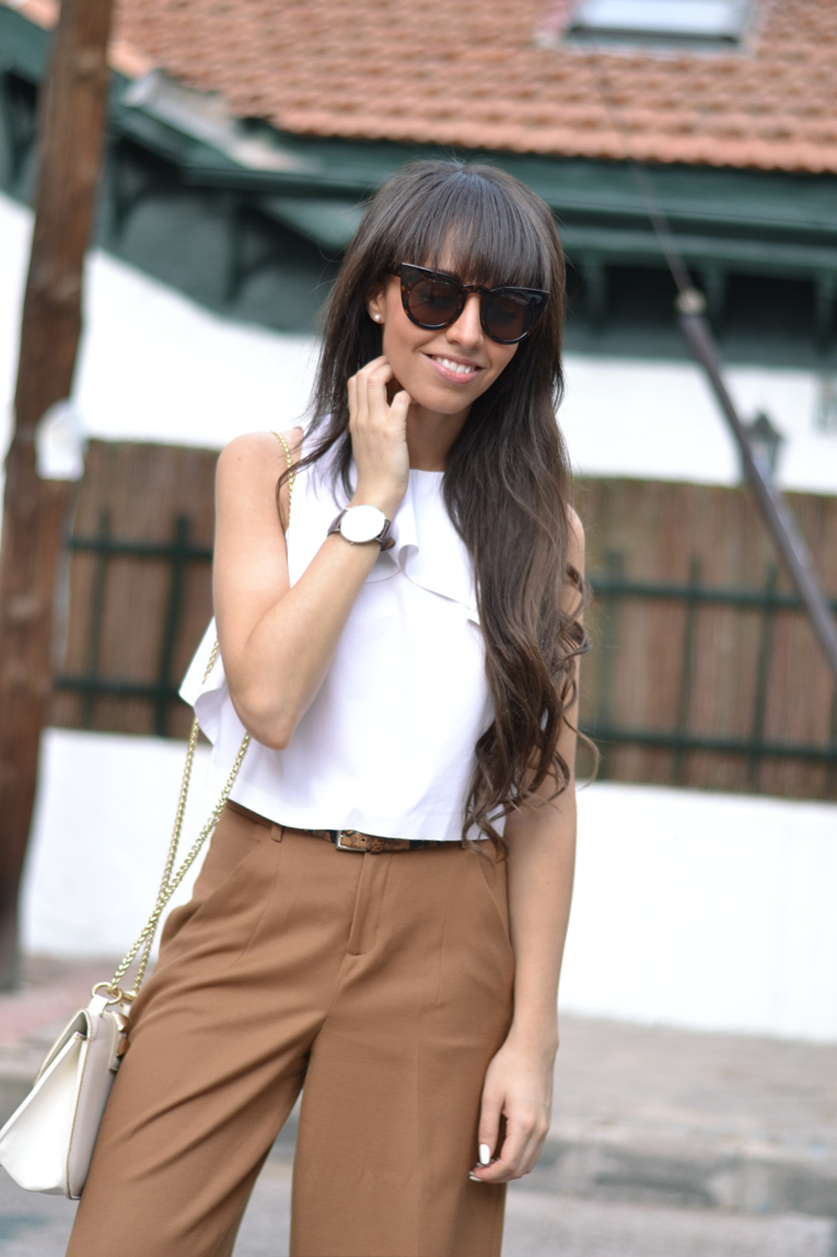 street style, culotte pants, chunky shoes, white sandals, backless top, cat eye glasses, daniel wellington,