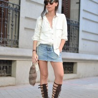 Denim-skirt_gladiator-sandals_street-style_outfit_01-2