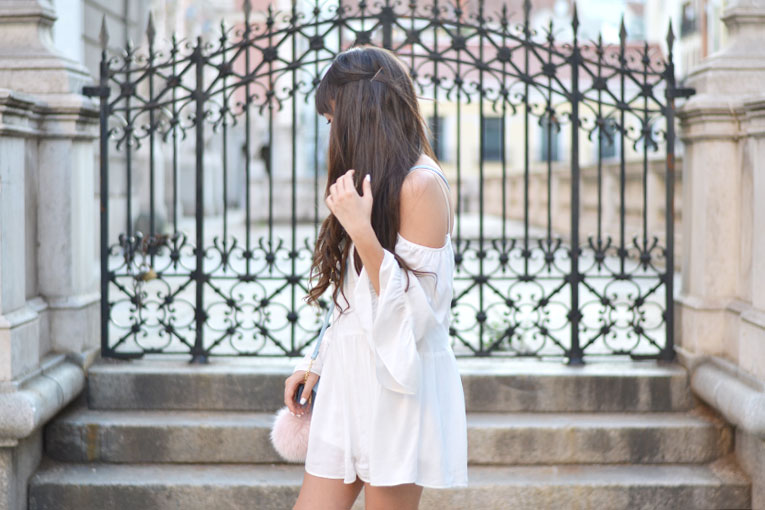 Street style, total white, chunky shoes, off the shoulder, bardot dress, furry bag, rounded sunglasses, playsuit,