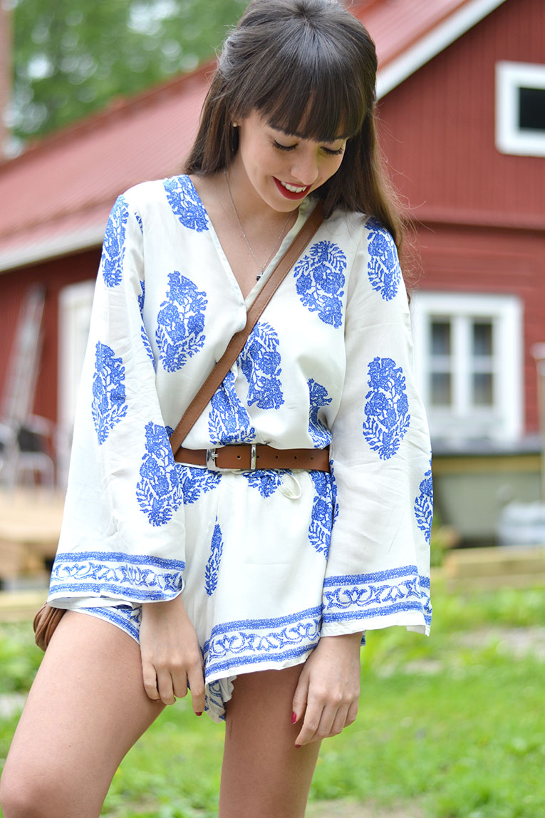 Street style, Trumpet Sleeve Romper, playsuit, floral print, white sneakers, casual chic