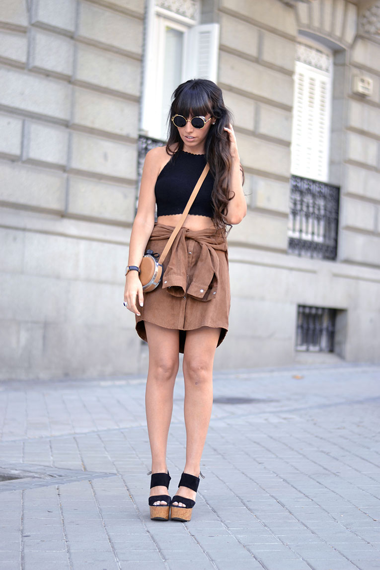 Shirt skirt DIY, do it yourself skirt, suede trend, crochet top, street style, round sunglasses