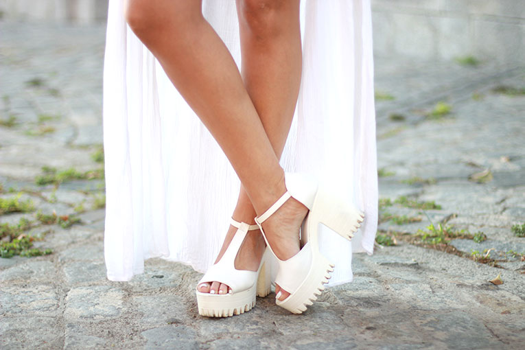 Street style, total white, ibiza, chunky shoes