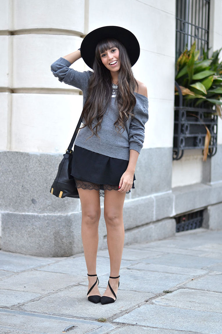 street style, la redoute, autumn, backless sweater, lace dress, black hat, lace up heels, silver necklace