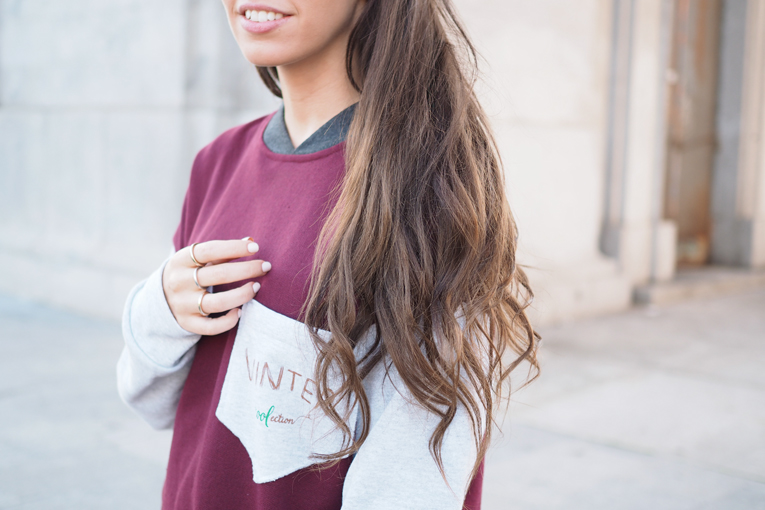 Kaiku Caffè Latte Coolection, sweatshirt, casual outfit, ripped jeans, white sneakers, burgundy,