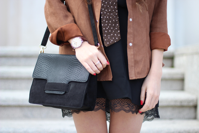 Street style, details, skinny scarf, lace dress, suede shirt, La Redoute outfit, Daniel Wellington