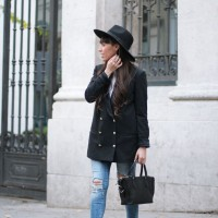 autumn-outfit_ripped-pants_hat_blazer_street-style_01-2.jpg-2