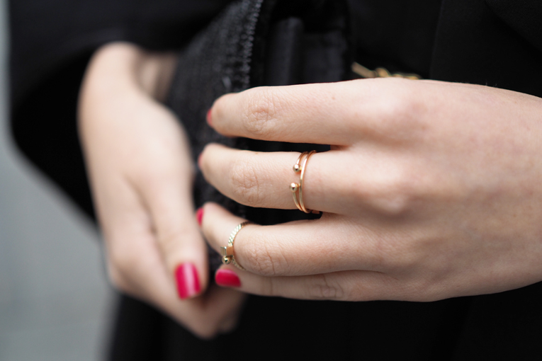 christmas outfit, midi rings, thin rings