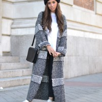 Long-cardigan_coat_fur-headband_white-sneakers_01-2.jpg-2