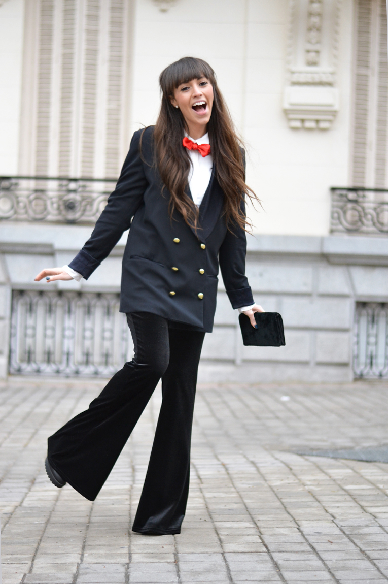 Christmas outfit, street style, velvet pants, flared pants, suit for girls, red bow tie