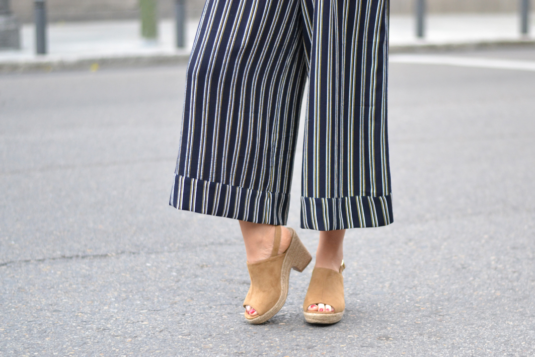 Street style, spring outfit, striped culottes pants, Okeysi total look, trench coat, leather platform
