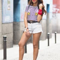 Street style, summer outfit, casual look, banana t-shirt, striped t-shirt, ripped denim shorts, chunky sandals