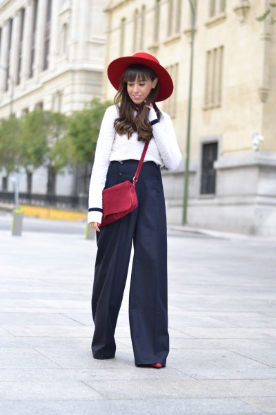 Street Style, french style, palazzo pants outfit, red hat, scarf
