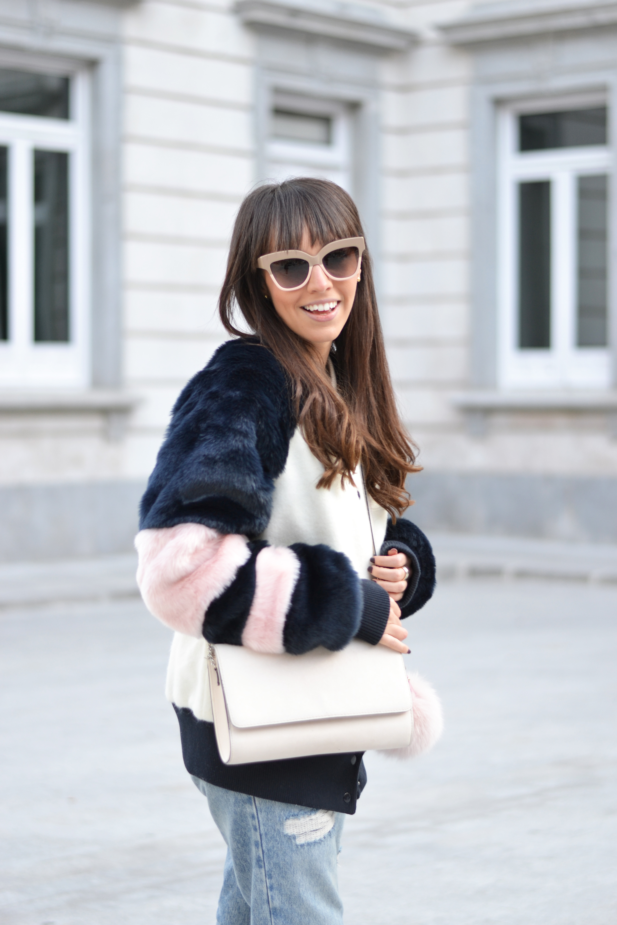 Fluffy coat, mom jeans, casual winter outfit, street style