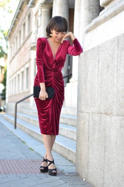 La más mona alquiler vestidos, velvet dress, wedding outfit, street style