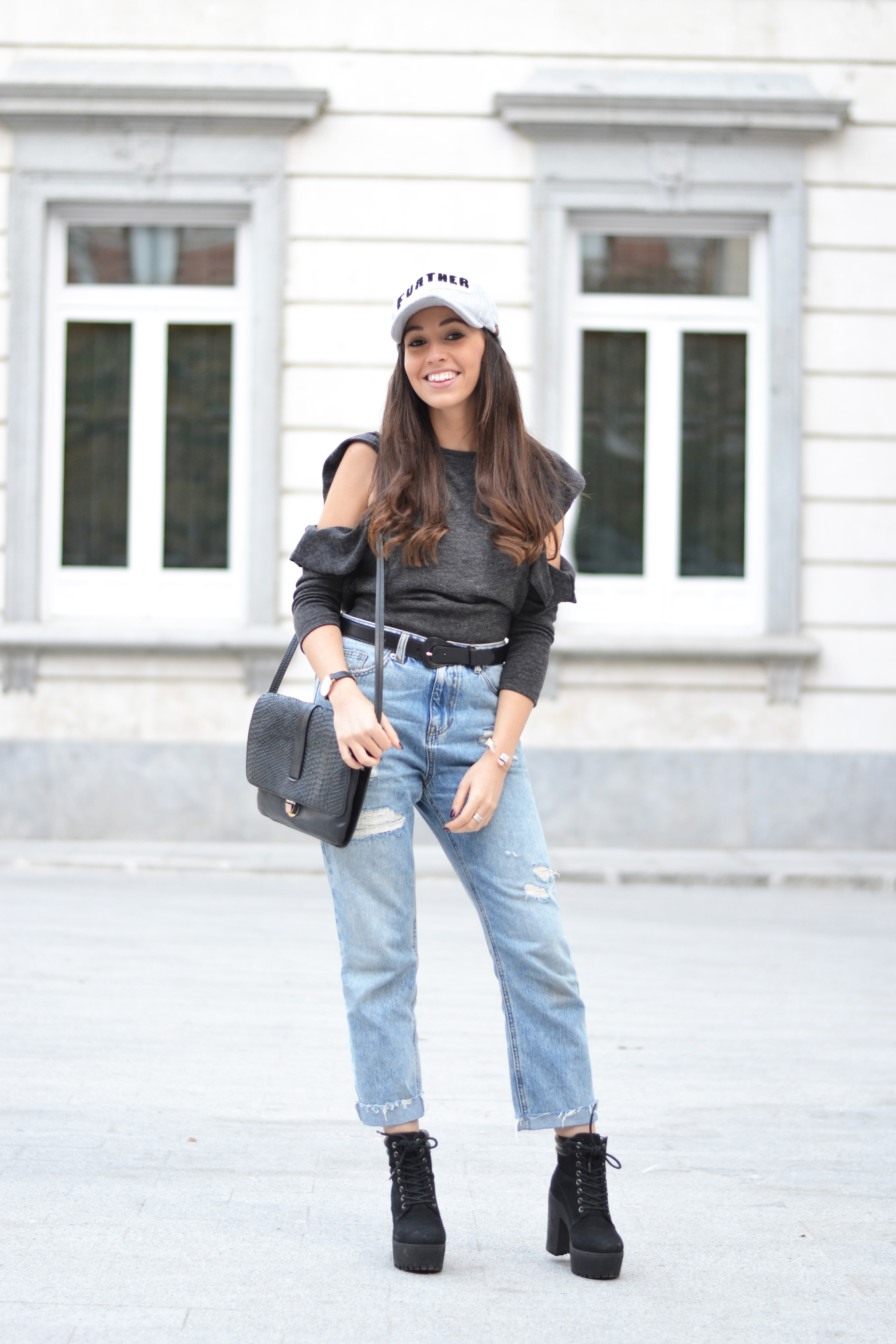 cut out sweater, mom jeans, cap outfit, street style