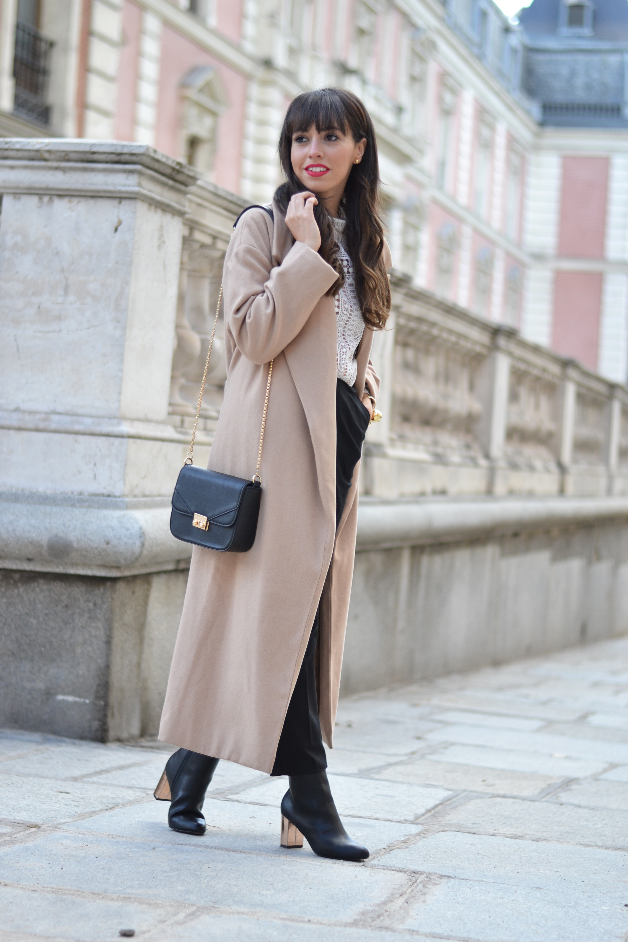 camel-extra-long-coat_gold-heel-boots_street_style_1