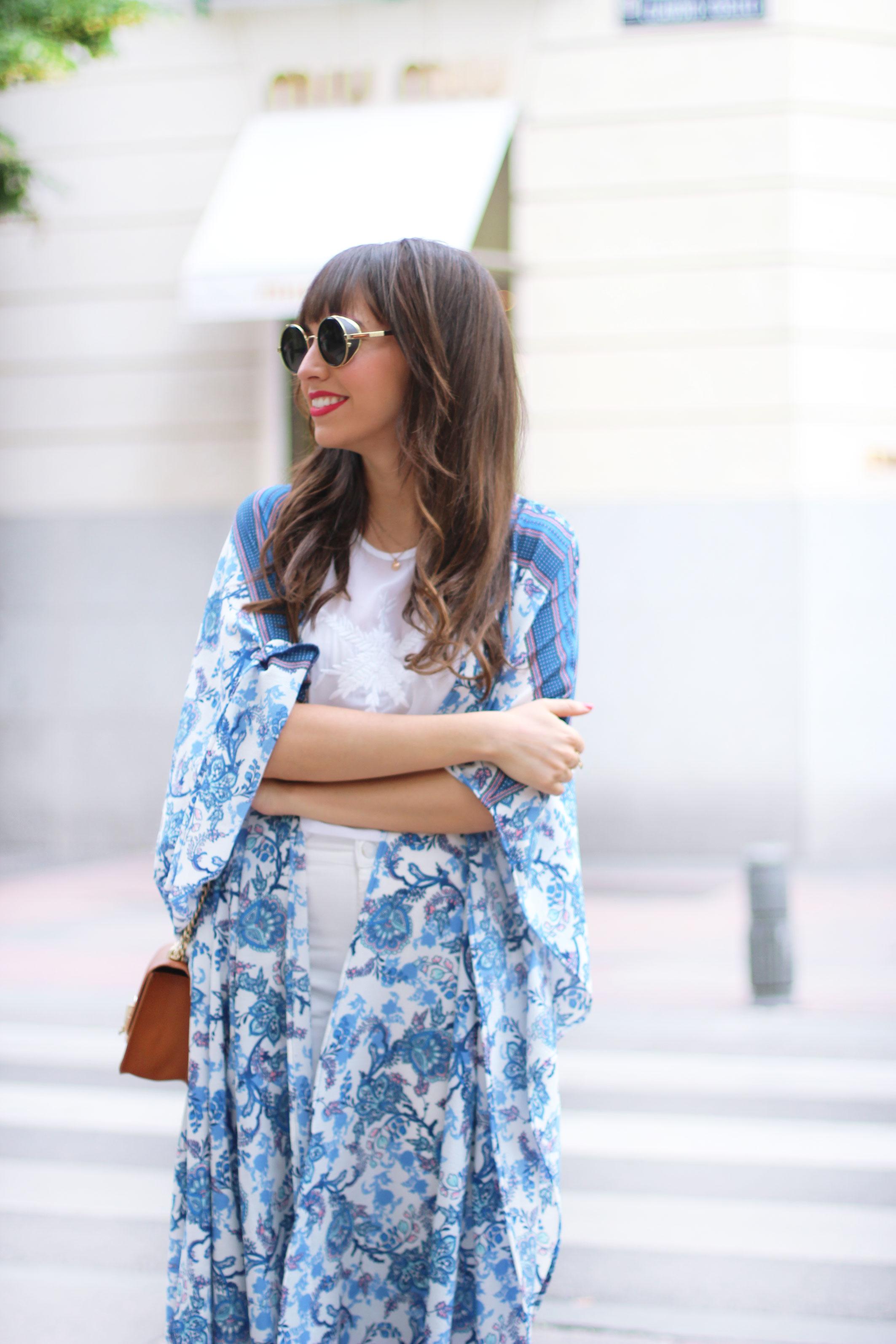 long-floral-kimono_total-white-outfit_street-style_04
