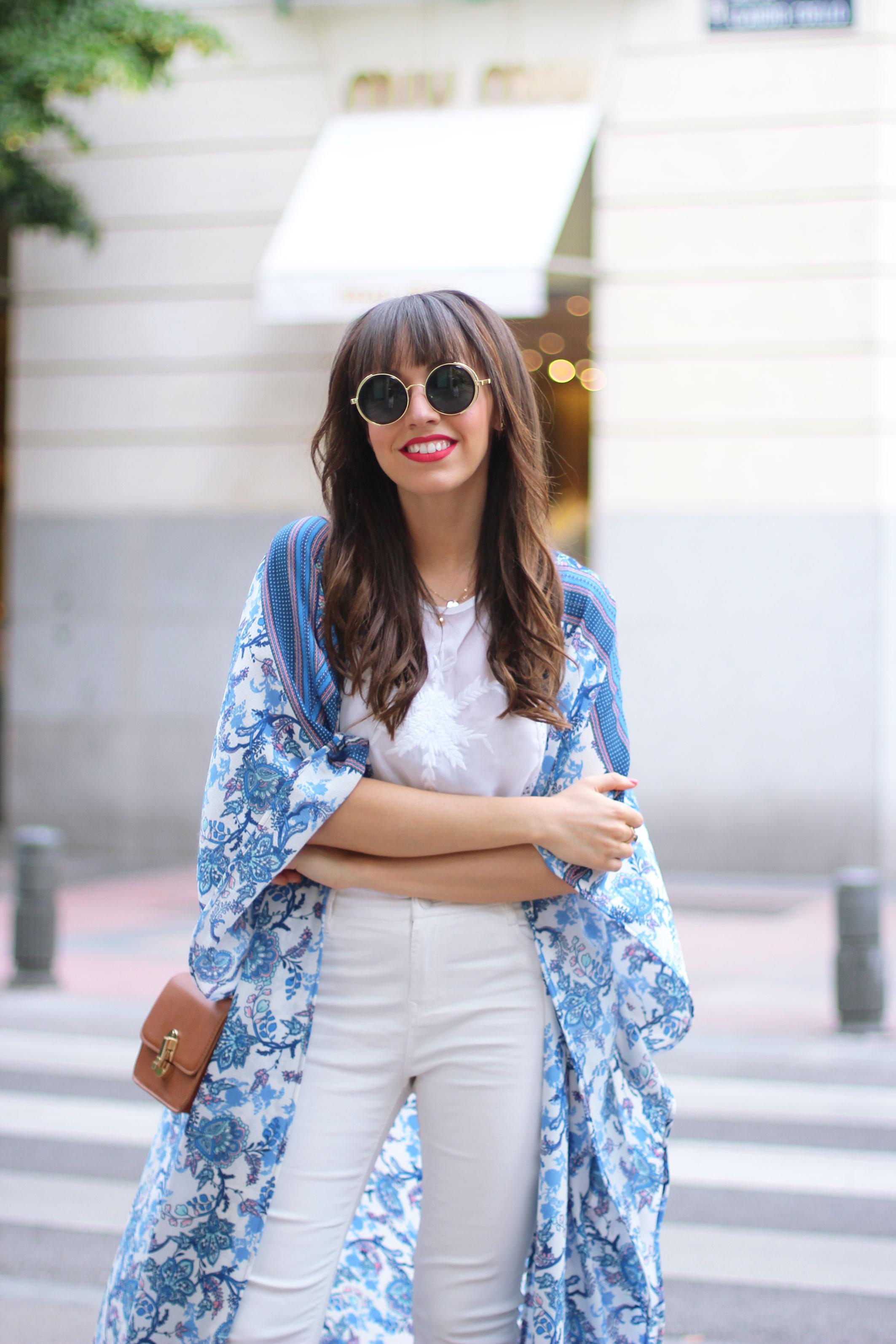 long-floral-kimono_total-white-outfit_street-style_06