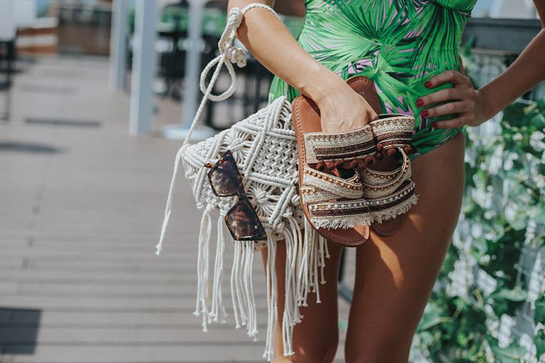 La redoute baño, coleccion verano, bañador tropical, bolso macrame , outfits verano, street style, bañadores